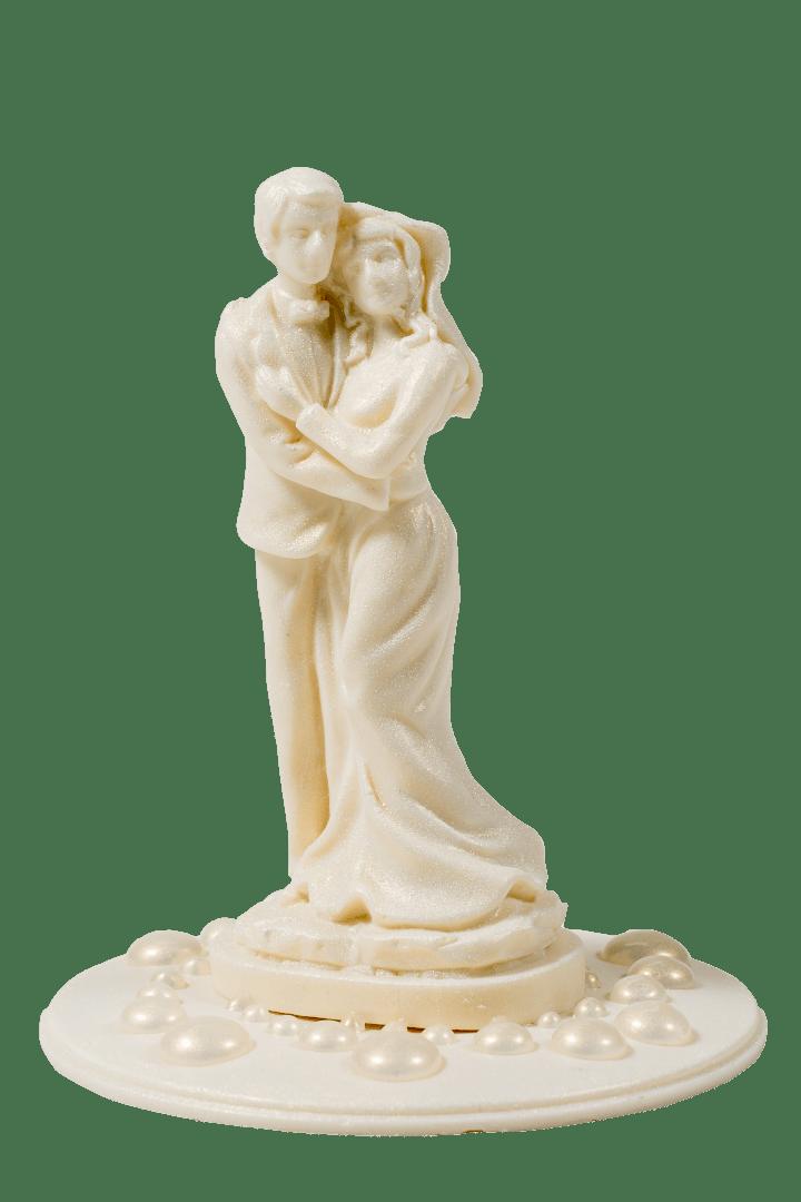 Фигурка из белой кондитерской глазури Жених и невеста 1