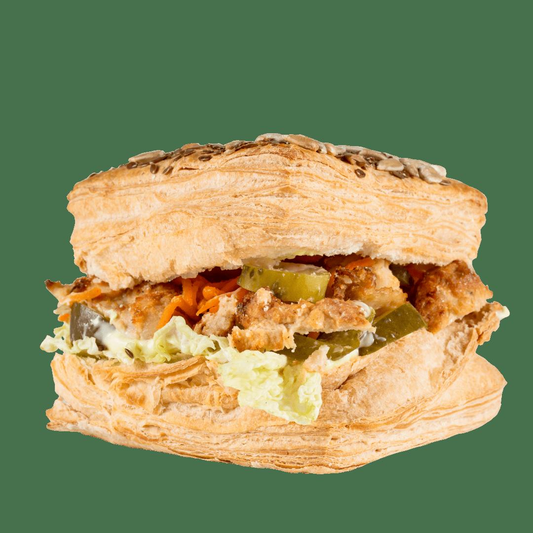 Сандвич слоеный с мясом курицы 1